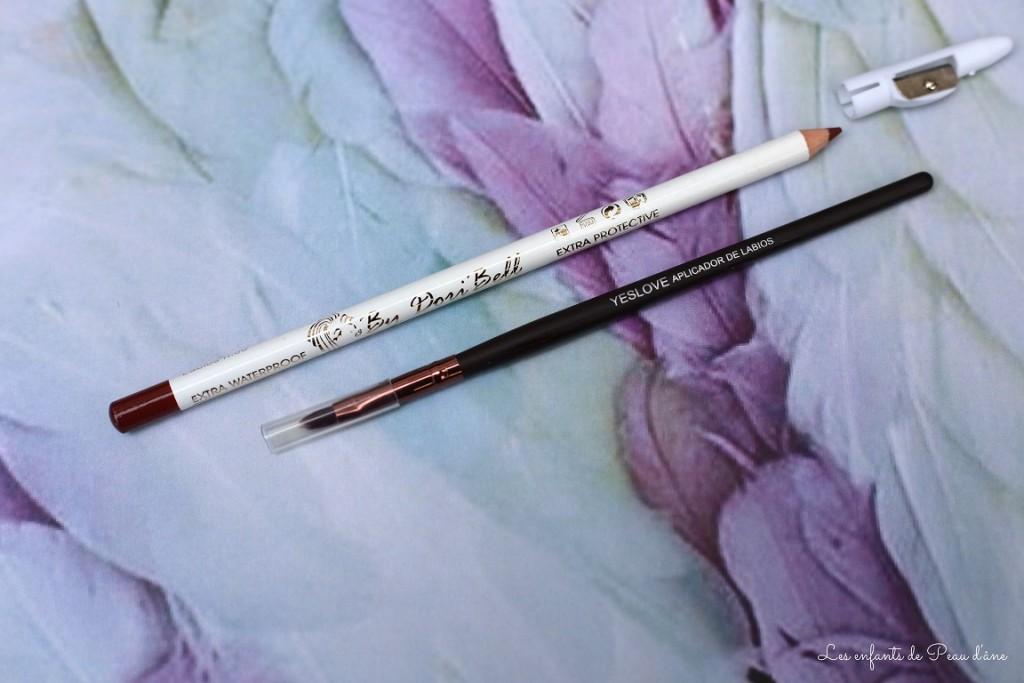Crayon et pinceau